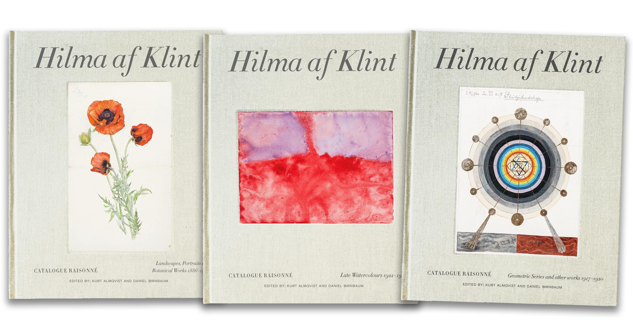 Tre av de sju böckerna i Hilma af Klints katalog.