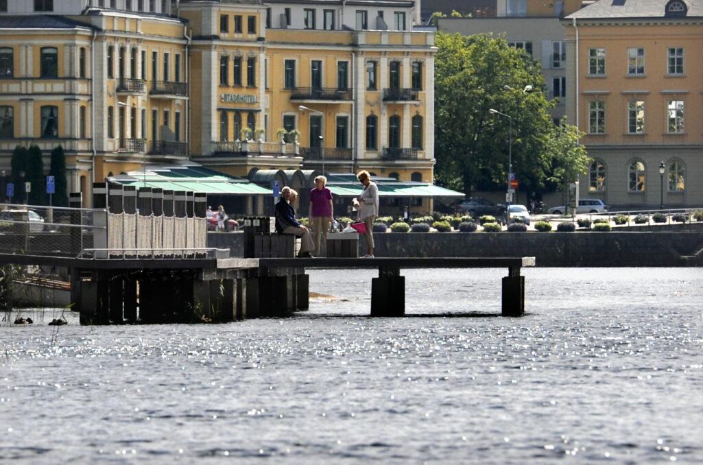 Stadshotellet i Karlstad sedd från Klaraälven